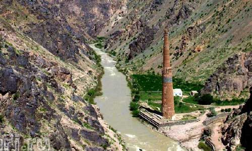 Govt, UNESCO Criticized for 'Inattention' to Minaret of Jam