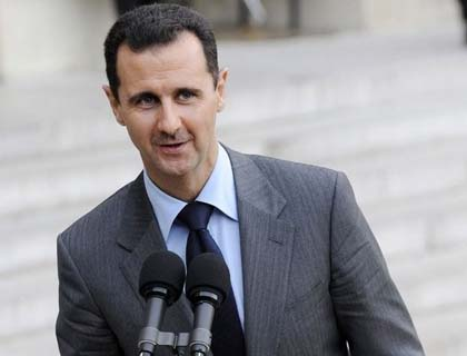 Thousands Call  for Assad Overthrow at Syria Funeral